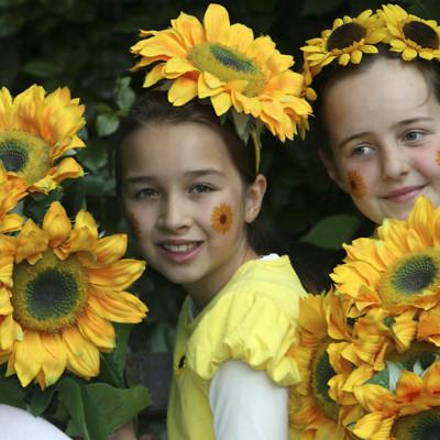 Sunflower girls, Samara Jones age 9, from Killiney and Tara O' Sullivan age 9 from Glasnevin, launch Sunflower Days May 25 2011